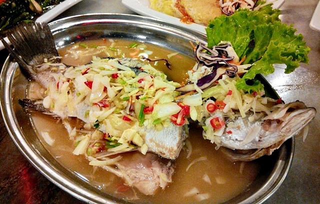 Chief Ikan Bakar punya Ikan Siakap Stim Limau terbaik! saya suka .. saya suka ..!!