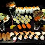 Ahaa...!! tengok.. Pelbagai sushi .. nyum nyummm