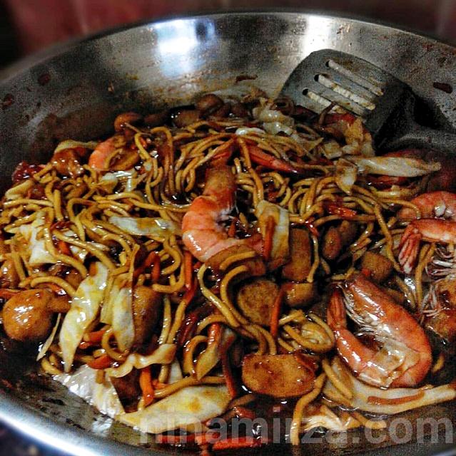 resepi mee goreng basah udang selambak mudah Resepi Mee Goreng Ratna Enak dan Mudah